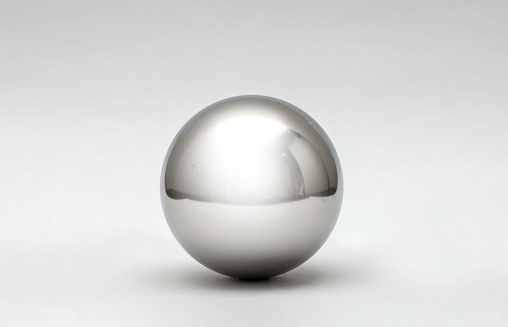 Esfera de aço grande